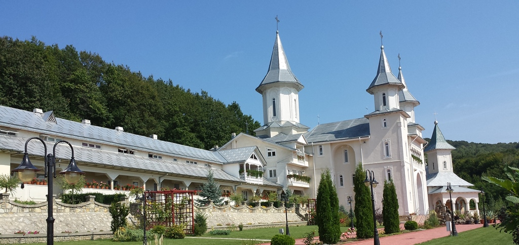 Manastirea Tisa Silvestri - Biserica mare
